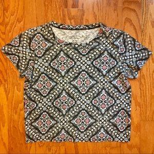 Woman's Aeropostale size x-small shirt.